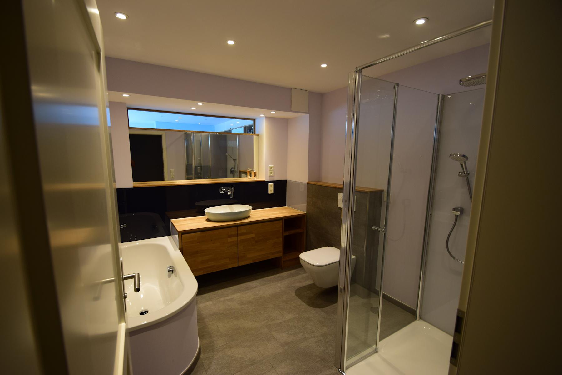 Badezimmer modern und stylisch - Willkommen bei Schiffbauer Bad und ...